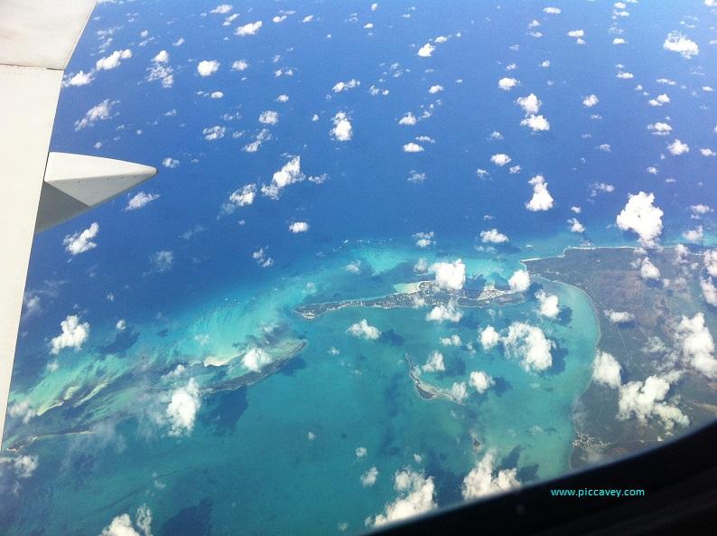 Aeroplane-flight-over-Caribbean-Miami