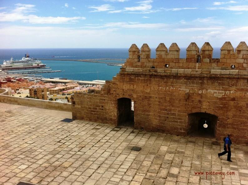 Alcazaba de Almeria by piccavey