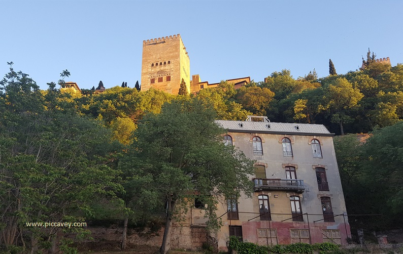 Alhambra Casa Maletas Hotel Reuma Paseo Tristes