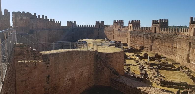 Baños de la Encina Castillo de Burgalimar