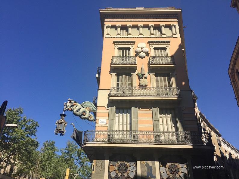 Barcelona Casa del Paraguas
