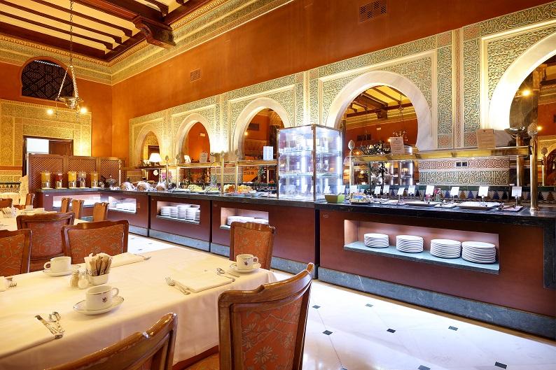 Breakfast service Hotel Alhambra.j