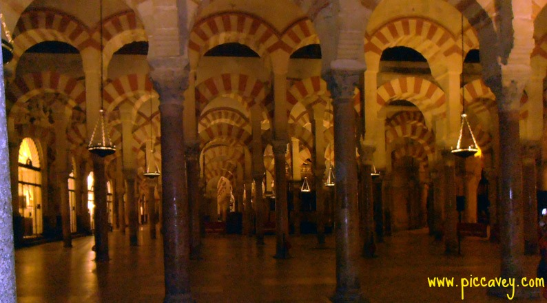 Columns-in-Mezquita-Cordoba