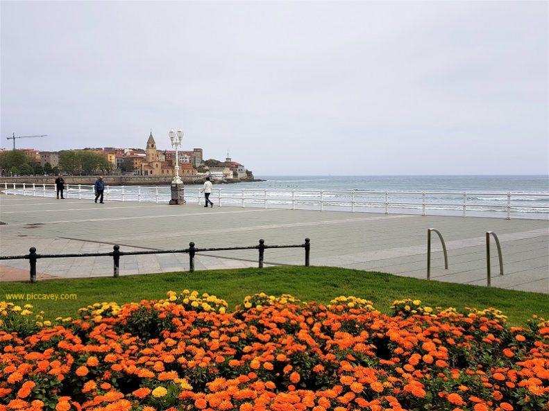Gijon Playa de San Lorenzo