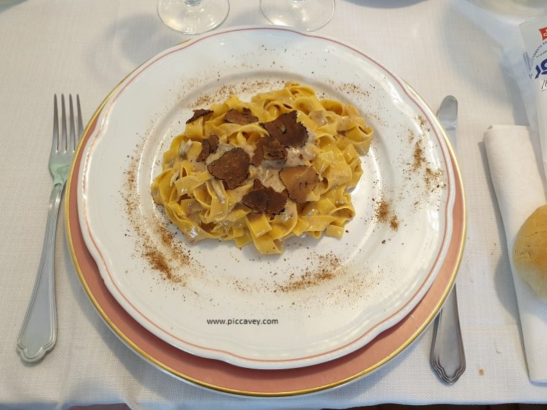 Gorgonzola and Truffle Pasta Ristorante di Genny Idro