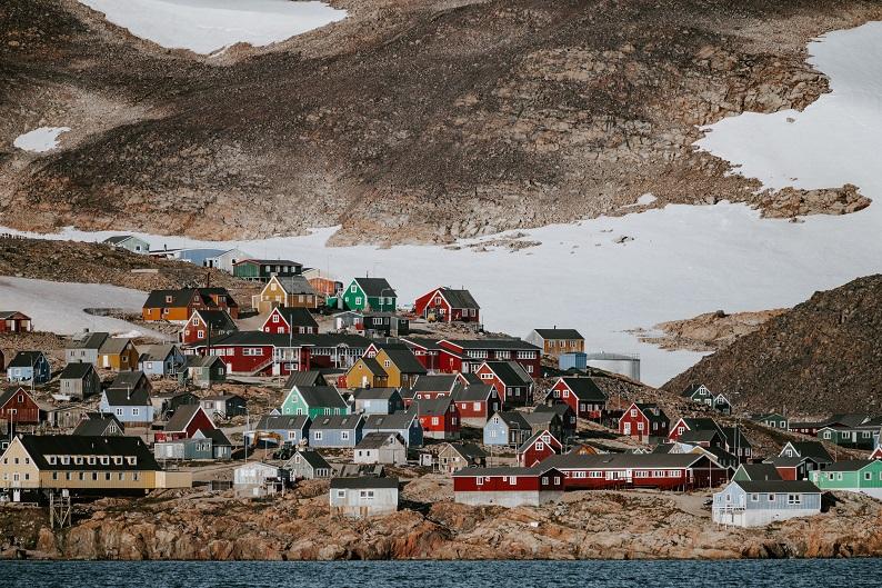 Solo Travel Greenland by annie-spratt-ynDYB8bfRlE-unsplash