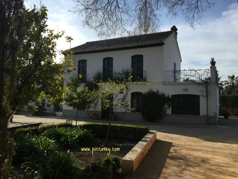 Federico garcia lorca the writer poet from granada for Huerta de san vicente muebles