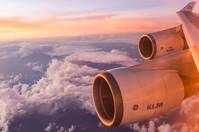 KLM plane photo by Emiel Molenaar on Unsplash