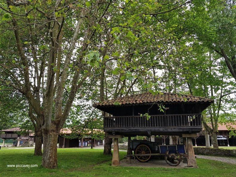 Museo Pueblo Asturias Gijon Horreo
