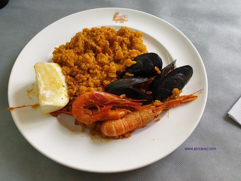 Paella Valenciana Albufera Spain