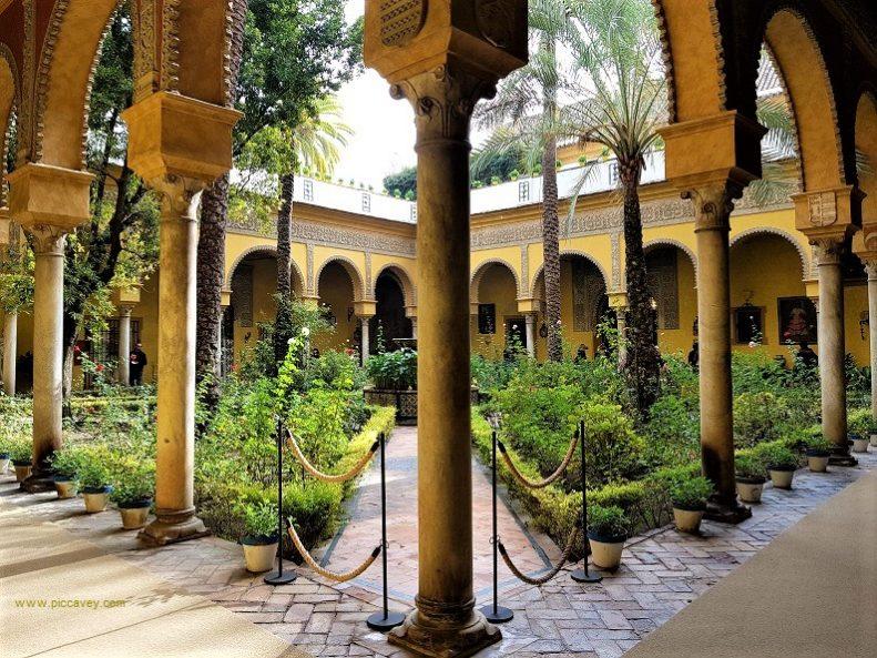 Palacio de las dueñas Seville