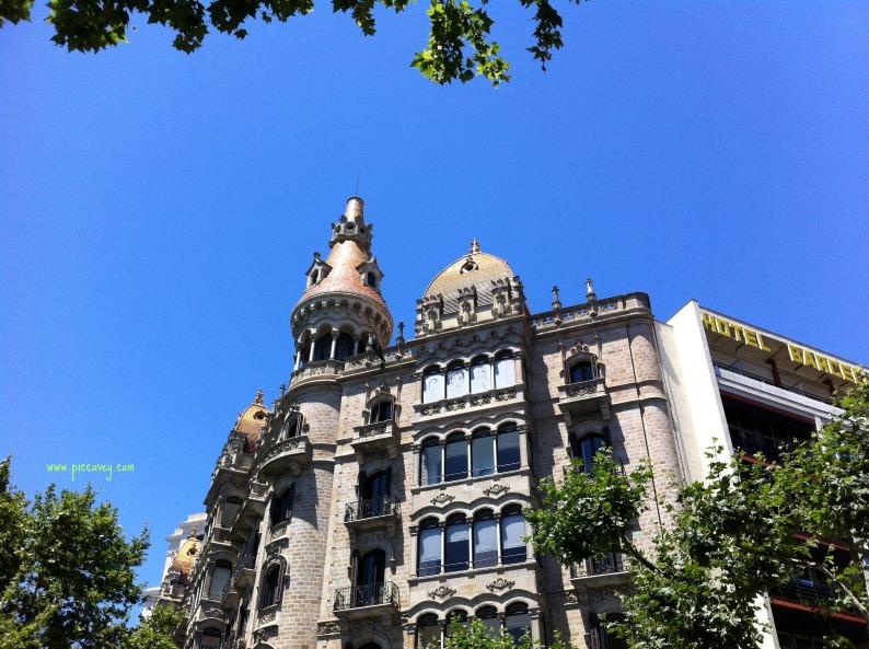 Paseo de Gracia, Barcelona in Spring