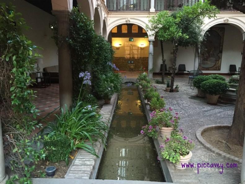 Patio inside Granada Parador