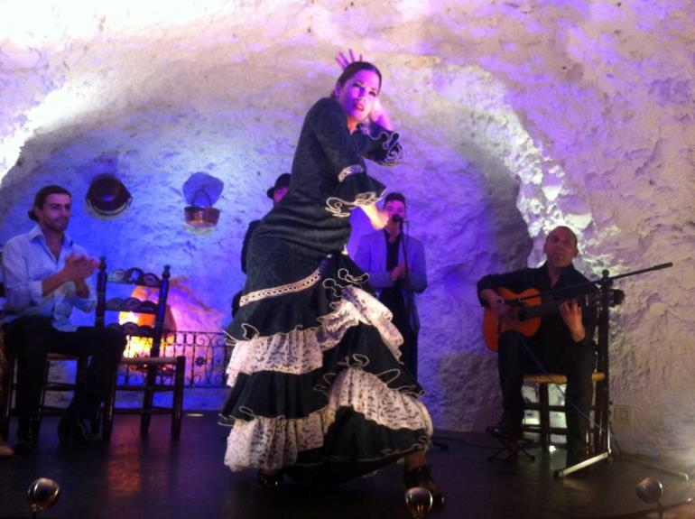 Performance at Templo del Flamenco