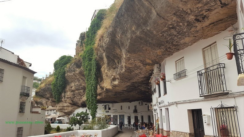 Spanish caves by piccavey (1)