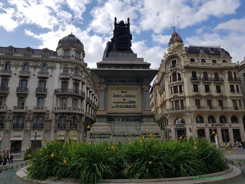 Statue Isabel La Catolica Granada Spain Gran Via