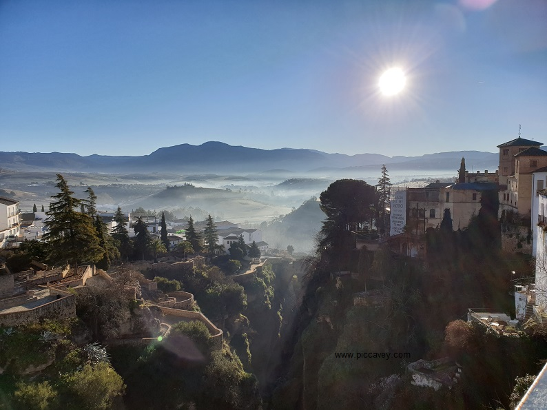 Ronda - Romantic Landscapes & Stunning Sunsets in Malaga Province