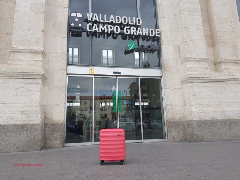 Train Station Suitcase Trolley Valladolid Campo Grande Gladiator Grow up