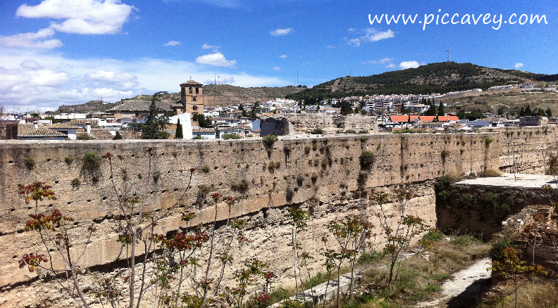 History of Granada - The Old City Wall, Albaicin ⋆ Piccavey