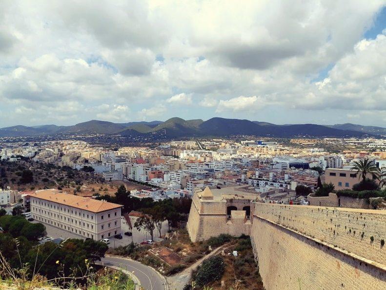 Ibiza by mathieu-montecot-ilsKZ7dEDTA-unsplash-min