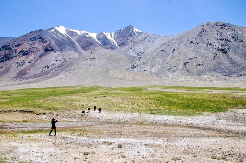 tajikistan ej-wolfson-WAmyOF-1BHw-unsplash-min